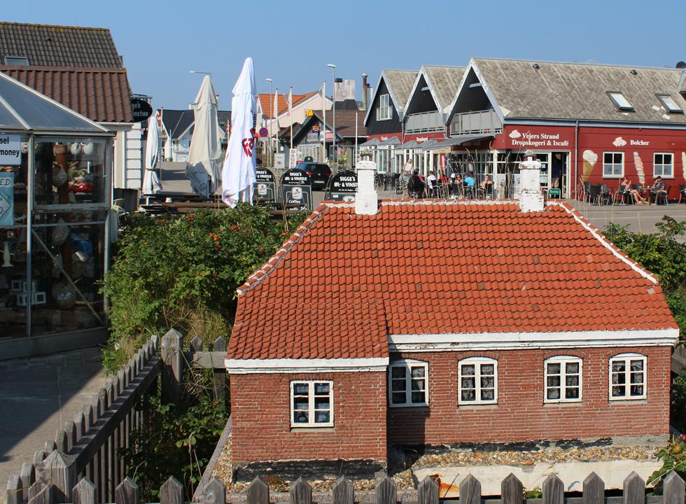 Miniature house in the main street of Vejers