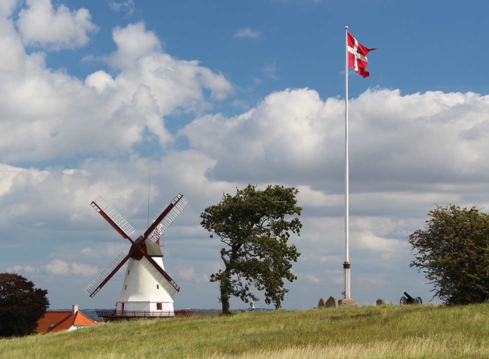 The famous mill, Dybbøl Mølle, which is located close to the holiday home area Vemmingbund