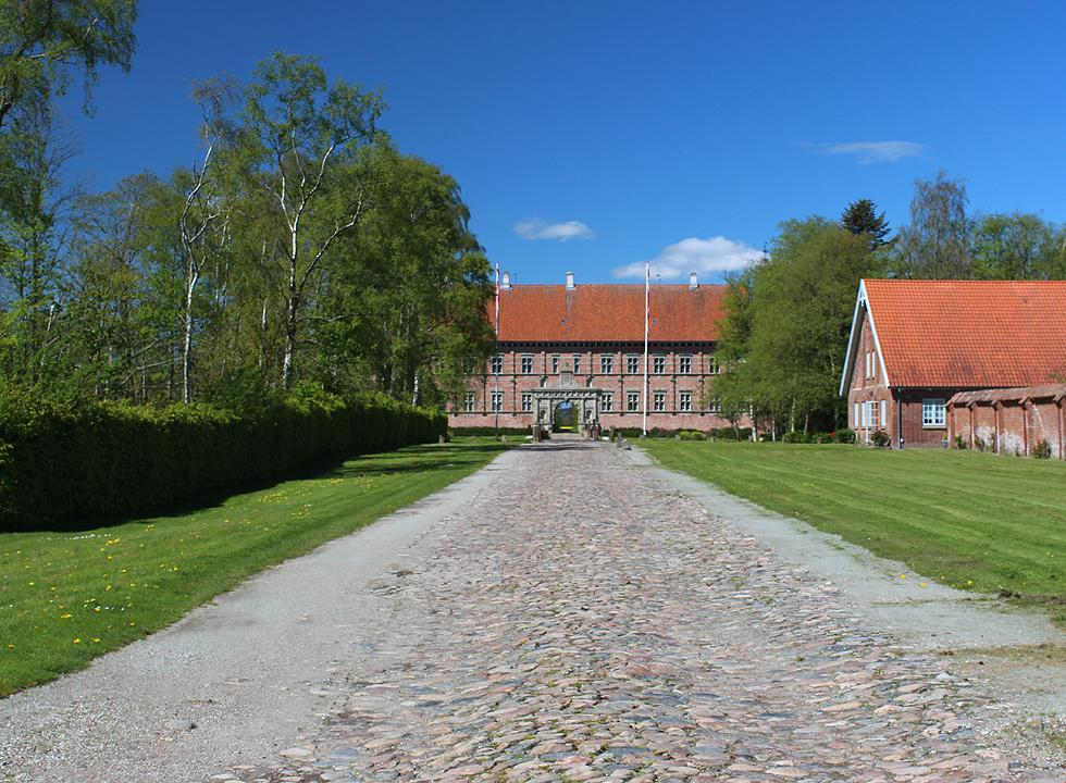 Experience the beautiful and historical castle Voergaard Slot, which is situated close to Voerså