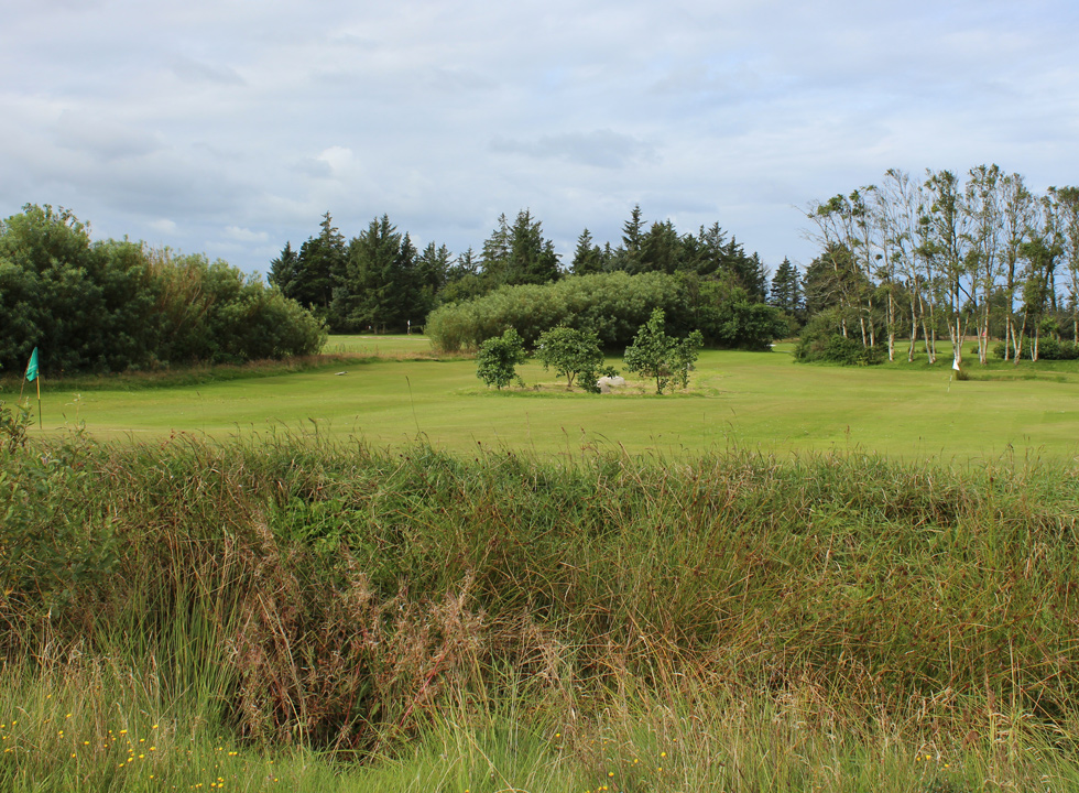 Løkken Golfklub offers challenging courses in scenic surroundings, close to Vrensted