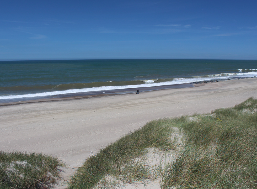 The beach in Vrist is suitable for walks, perhaps with the dog, year round