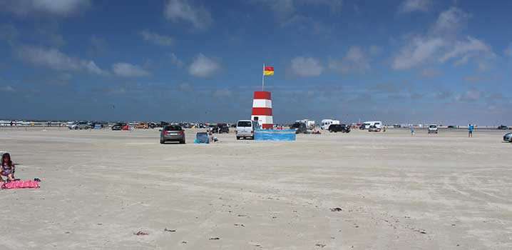 Go on holiday in a holiday home on Rømø and enjoy the wide, sandy beach and the North Sea.